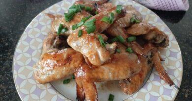 Куриные крылышки в духовке с хрустящей корочкой — самые вкусные рецепты